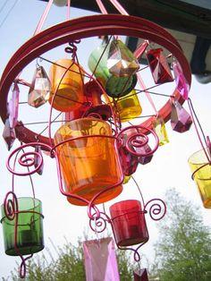 colorful garden art chandelier art chandeli, color garden, tire frame, frame garden, frames, chandeliers, colorful garden art, garden chandeli, creativ idea