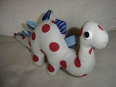 diy stuffed stegosaur (pattern and instructions)