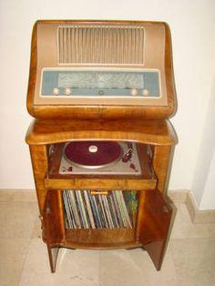 Vintage 1948 Superla radio record player (italian)