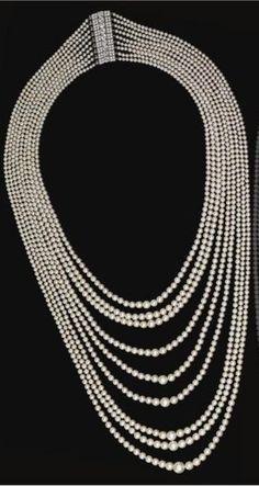 Nine-strand natural pearl festoon necklace