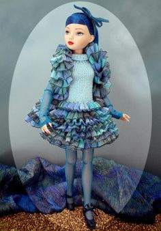 Inma's knitted outfits for Ellowyne