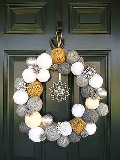 DIY Yarn Ball Wreath |  Two Junk Chix