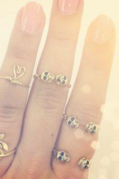 tiny skull rings. LOVE