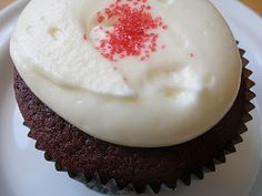 Jessie has a Southern Belle (red velvet) cupcake at the Red Velvet cupcakery.