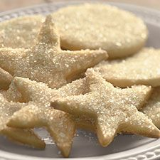 These star-shaped eggnog cookies look awesome. #pinspiration #holiday #treat #party #favor #edibleart
