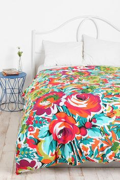 floral bedspread comforter Bouquets Duvet, Floral Prints, Urban Outfitters, Bold Prints, Duvet Covers, Flowers Beds, Guest Rooms, Girls Rooms, Bright Colors