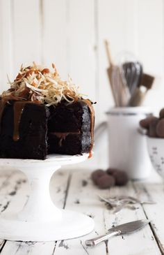 salt & vinegar shoestring chips topped chocOlate cake with caramel drizzle