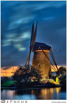 Windmill Floodlight 2008