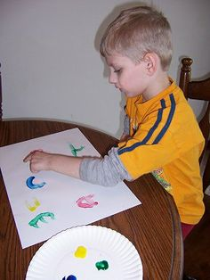 childcareland.com - Early Learning Activities For Pre-K and Kindergarten // Call out letter or number and finger-paint it.