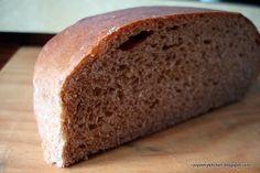rustic rye bread food-breads