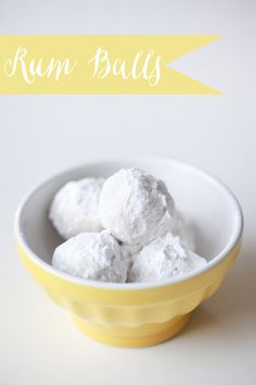 Rum Balls! This cold weather is making us want to bake! #recipe #cookies #holidayrecipes http://www.weddingchicks.com/2010/12/01/rum-ball-recipe/