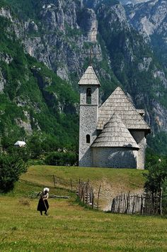 Rural scene in the village of Theth in northern Albania (by ๑۩๑ V ๑۩๑).