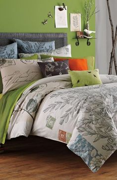 In love with this vintage-romantic duvet!