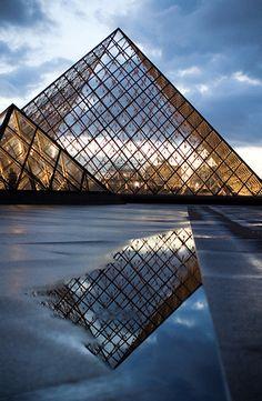 The Louvre Pyramid, designed by the architect Leoh Ming Pei, Cour Napoléon, Louvre Palace, Paris