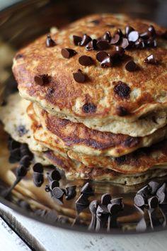 Pancakes de avena y chips de chocolate