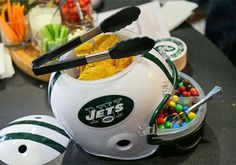 Serving Platters That Show Off Your Football Team Spirit