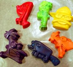 How to Make Crayons in a Hard Plastic Mold | Imagine