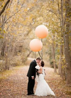 I want super big balloons like this. And a perfect lane like this, with leaves.