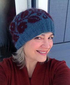 Ravelry: Vining Flower Hat pattern by Lori Ihnen