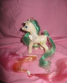 Vintage G2 My Little Pony HTF Changing Mane and Tail Light Heart Lightheart MLP