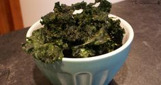 Raw dill pickle kale chips | The Rawtarian