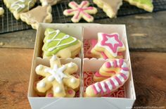 Christmas Bean Cookies with Homemade and Natural Food Dyes | Healthy Ideas for Kids