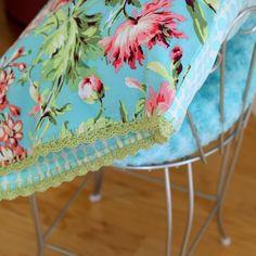 Crochet border for pillows