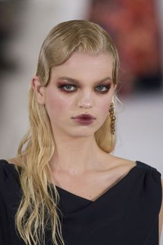 The wet look at Oscar De La Renta.