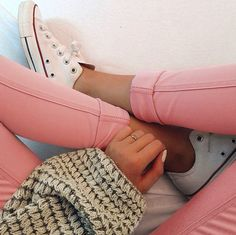 Chunky sweaters, coral pants and CHUCKS. The way to go!