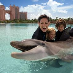 Top 20 Must-Do Vacations For Families... really great travel ideas, from Hershey PA to Aspen Colorado and everywhere in between. Some good ideas I never even had on my radar! PIN now, read later!