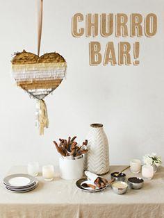 CHURRO BAR: Buenísima esta idea de hacer una fiesta en casa de churros y chocolate! Consejo Airedefiesta: utiliza menaje de color blanco para que destaque la comida. #fiesta #ideasparafiesta #fiestatematica