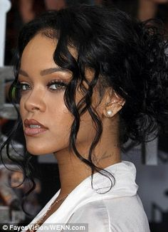 Rihanna sexy pearl stud look