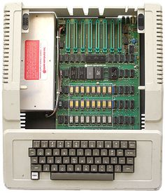 Apple II, 1977.