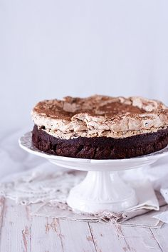 Chocolate Cake w Hazelnut Meringue ♥