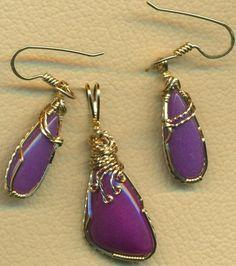 Purple Mountain Jade Gold Wire Wrap Pendant Earrings Set