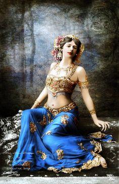 Vintage Belly dance, I like it!