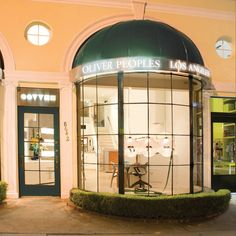 Online shopping right now? @oliverpeoples Sunset Boutique our cover photo location @Oliver Peoples