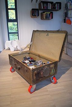 suitcase on casters....great idea for lego storage :-)