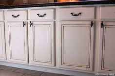 Well-Groomed Home: Painted Kitchen Cabinets - Chalk Paint!