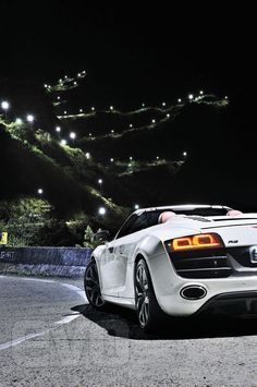 Audi R8 V10 Spider prepares for the ultimate driving road