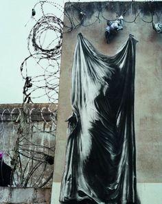 Ernest Pignon Ernest - prison St Paul de Lyon - hommage aux résistants torturés et assassinés durant l'occupation française
