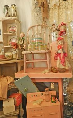 chair, vintage pink, top texa, flea market, round top, display, antiqu, vintag toy, lilli lace