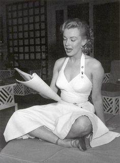 marilyn monroe, idolmarilyn monro, earl leaf, celebritymarilyn monro, beauti, marilyn photograph, norma jean, 1950, leaves