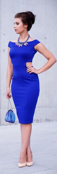 BLUE MIDI DRESS    http://www.apieceofanna.com/2013/09/blue-midi-dress.html