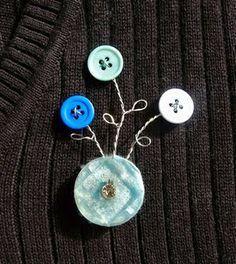 DIY button & wire brooch