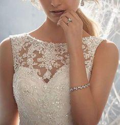 Winter wedding dress - wish-upon-a-wedding