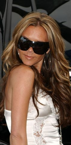 Victoria Beckham.. ♥ her hair here!