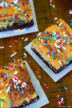 Cake Batter Brownie Brownie Layer: 1 box brownie mix (I like Betty Crocker) 2 eggs 2/3 C. oil 1/4 C. milk Cake Batter Swirl: 1 2/3 C. yellow or while cake mix (approx. 1/2 a box of cake mix) 1 egg 2 Tbsp. oil 1/4 C. milk 2 Tbsp. sprinkles 3 Tbsp. extra Sprinkles