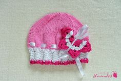Knitted pink girl hat - NanonArt
