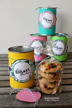 A tin can never looked so good. Thanks Doodlecraft for this super creative and tasty gift idea #givebakery #justbecase